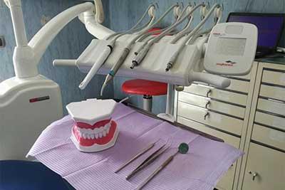 Studio Dentistico Dott.ri Paolo e Cristina Papa a Napoli: sanificazione del riunito odontoiatrico