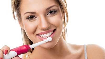Studio Dentistico Dott. Paolo Papa a Napoli: spazzolino elettrico